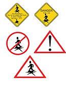 clipart danger triangle avertissement toxique signe sur a m tal surface k8634840. Black Bedroom Furniture Sets. Home Design Ideas